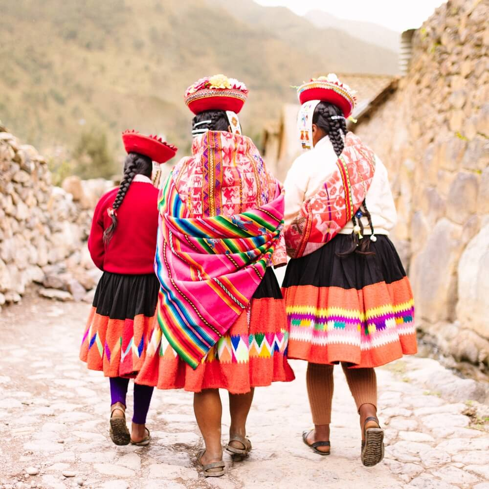 Weavers of the Clouds: Textile Arts of Peru by Hugh Thomson